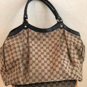 Gucci Bags - Gucci 100% authentic bag w/ duster